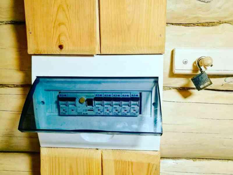 Монтаж электрощита в бане