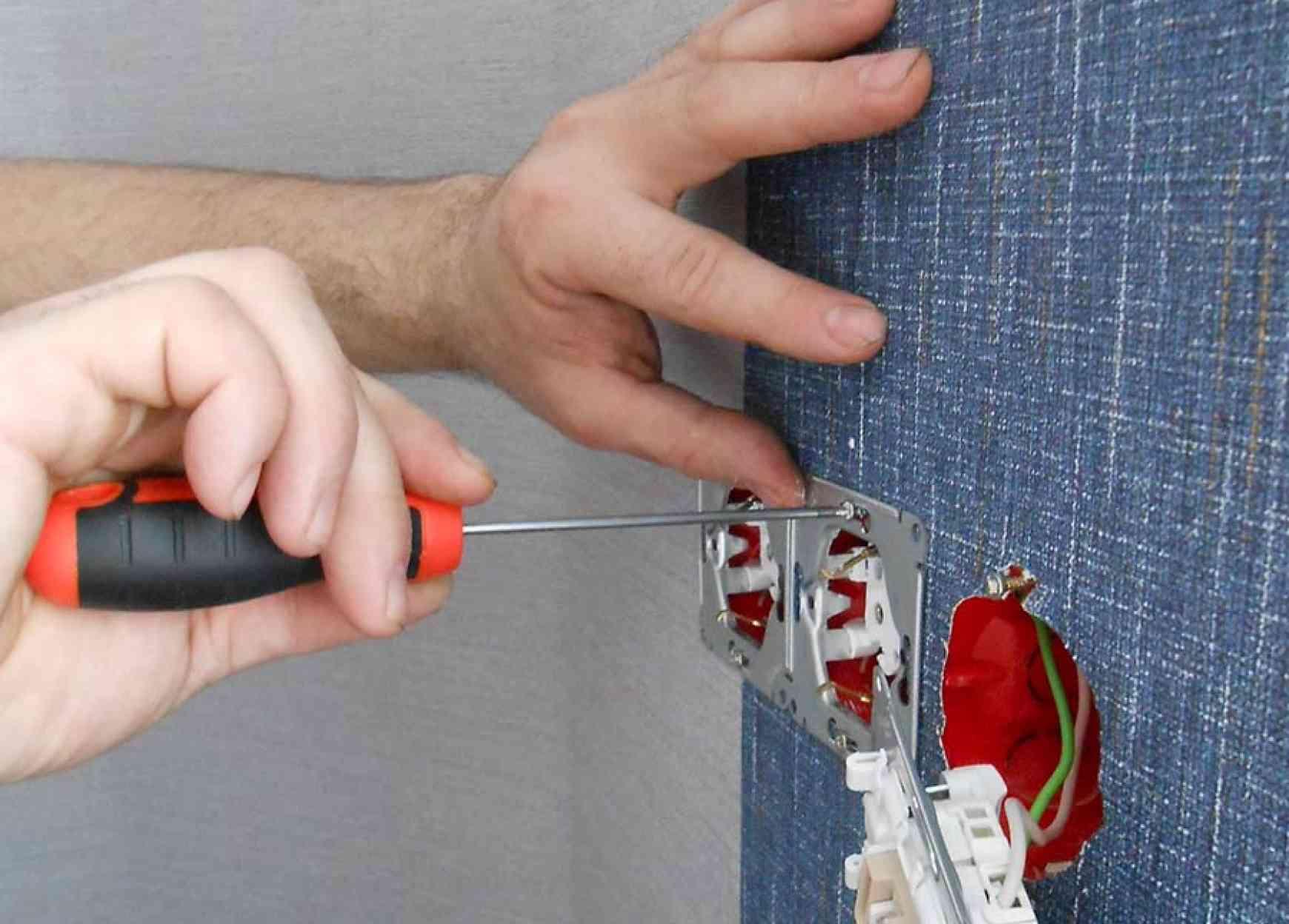 Подключение и монтаж внутренней розетки,,выключателя от 3 руб.
