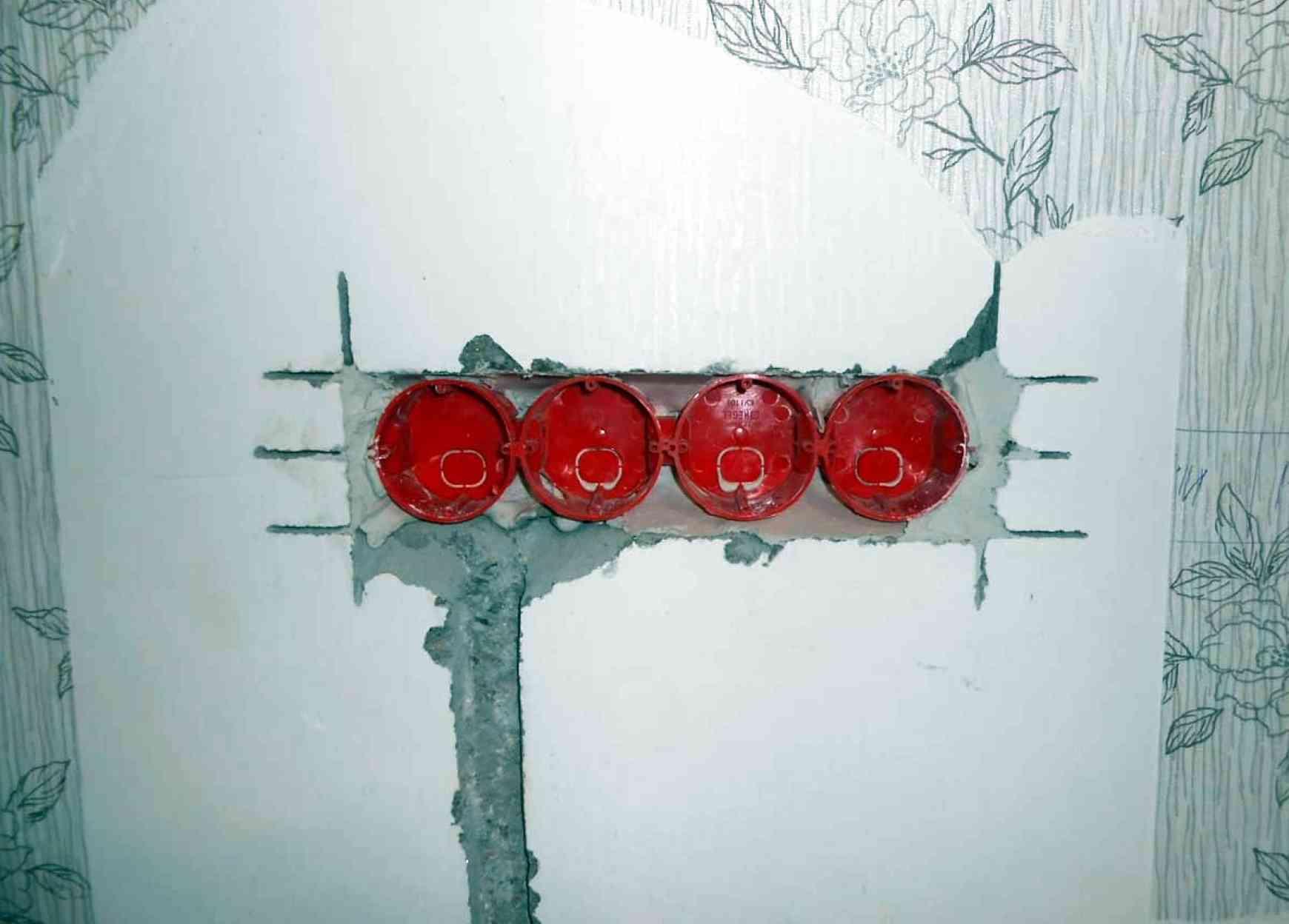 Подрозетники установка в бетонной стене