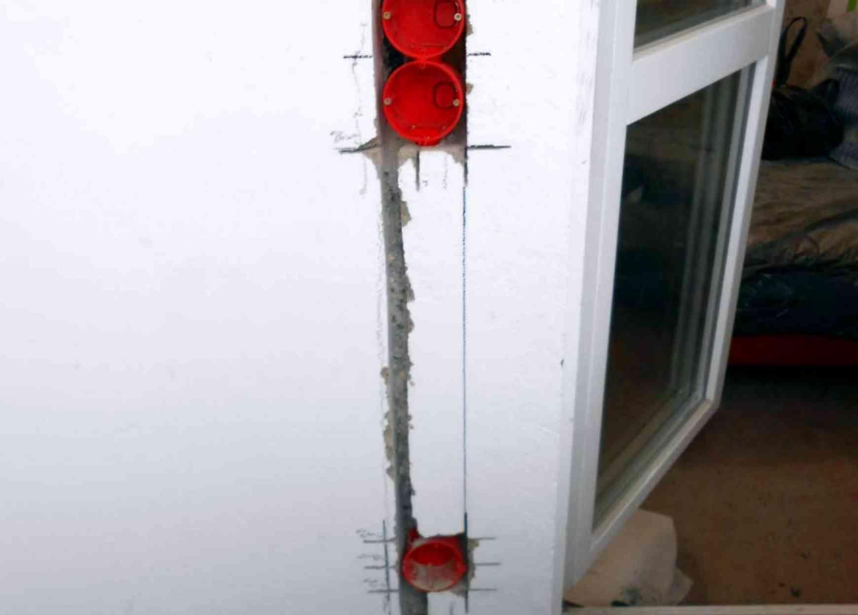 Электромонтажные работы на балконе